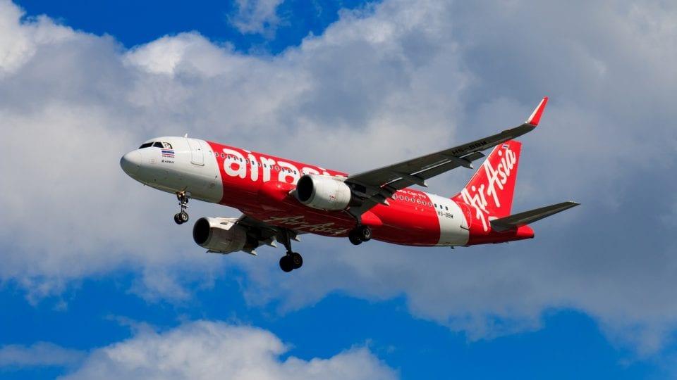 Eine Maschine der Airline AirAsia
