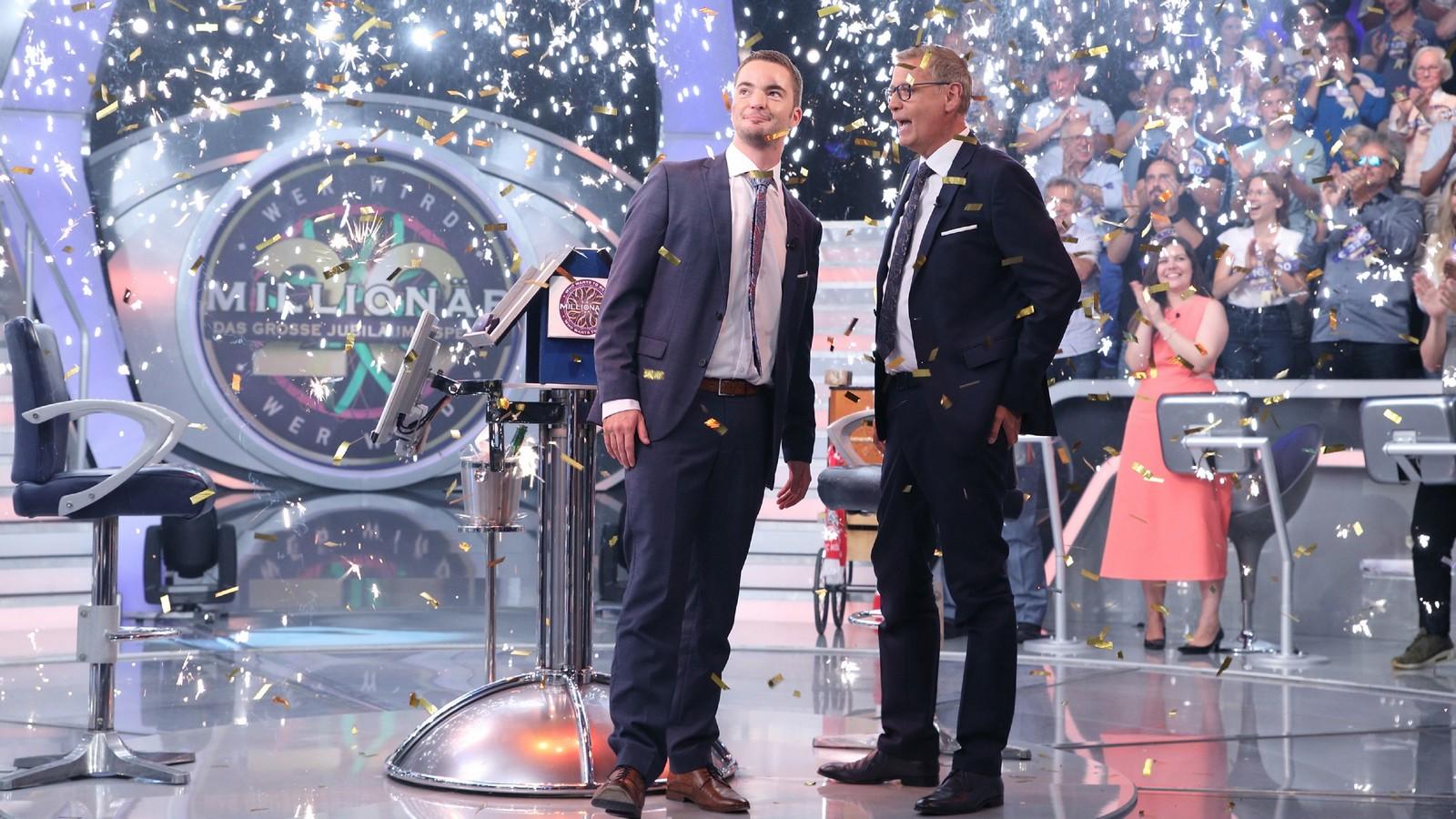 Moderator Günther Jauch mit Jan Stroh